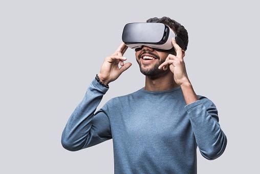 VR-NetDragon-online-gaming-investing
