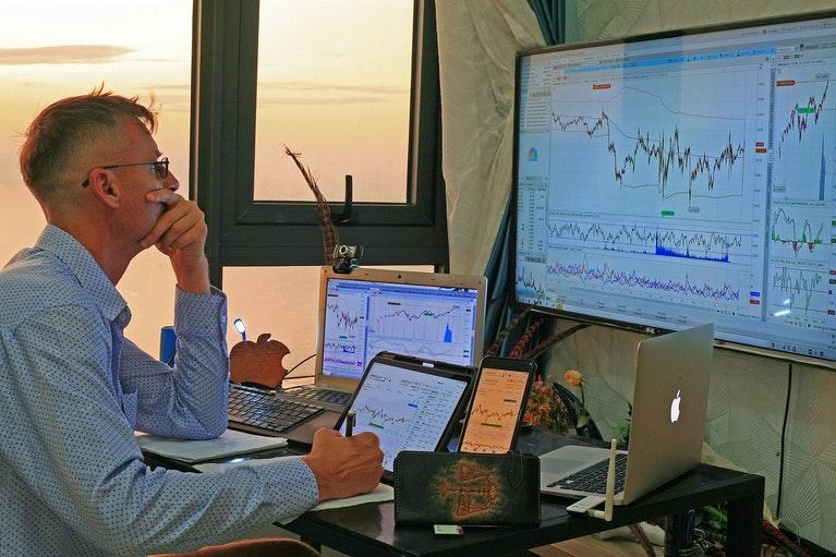 stocks-6377806_1280
